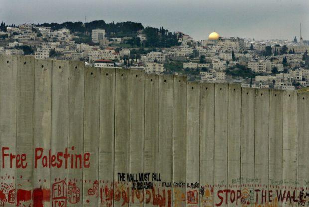 Risultati immagini per genova piazza de ferrari free gaza free palestina?